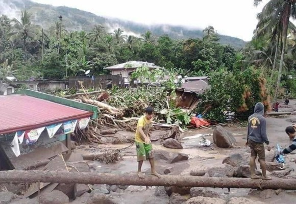 Lutheran World Relief aids families affected by Typhoon Tembin in the Philippines